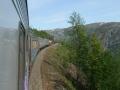Tåget snirklar sig nedåt mot Narvik