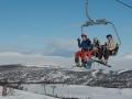 Erik, Lotta och Mattias liftar i solsken