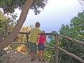 Erik & Lotta beundrar utsikten