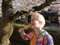 Lotta snacksar efter besök i Ginkaku-ji