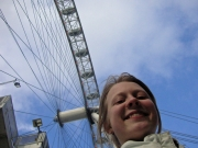 Ylva under London Eye
