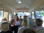 Alla 28 plus några till i den lilla, lilla bussen