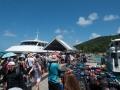 La Digue: 1 kaj, 2 båtar, 3 destinationer, 100 väskor och 250 resenärer.
